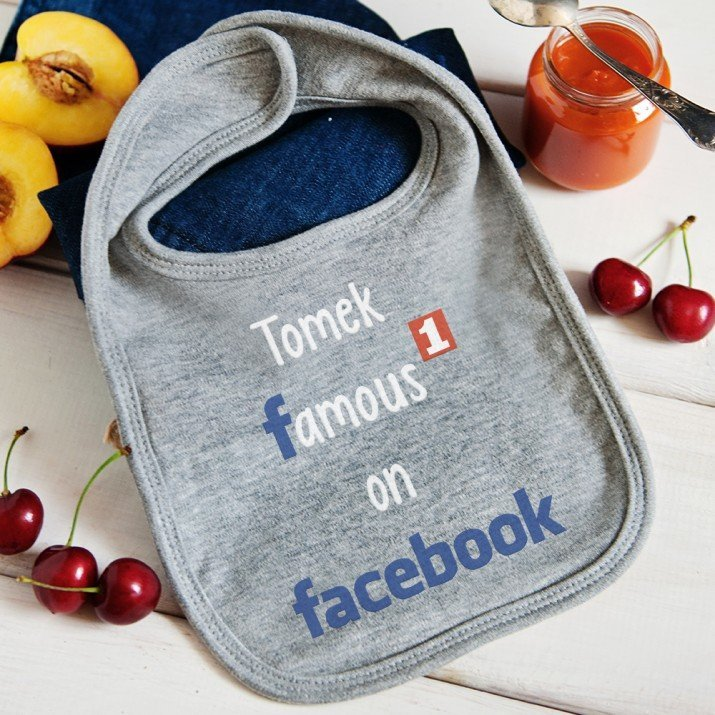 Famous Facebook - personalizowany śliniak