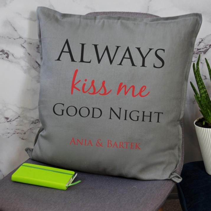 Kiss me - Poduszka dekoracyjna