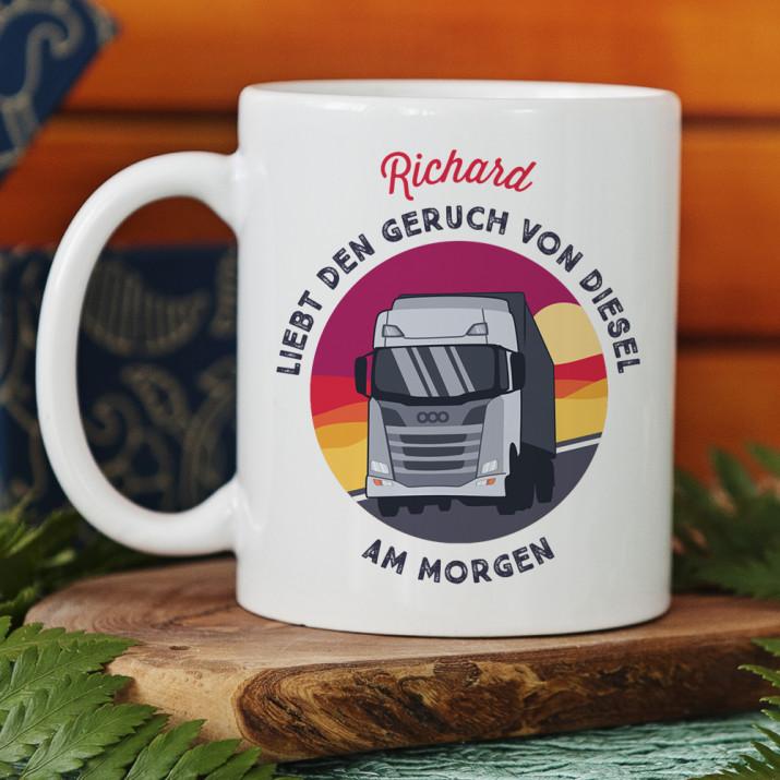 Geruch von Diesel am Morgen - personalisierte Tasse