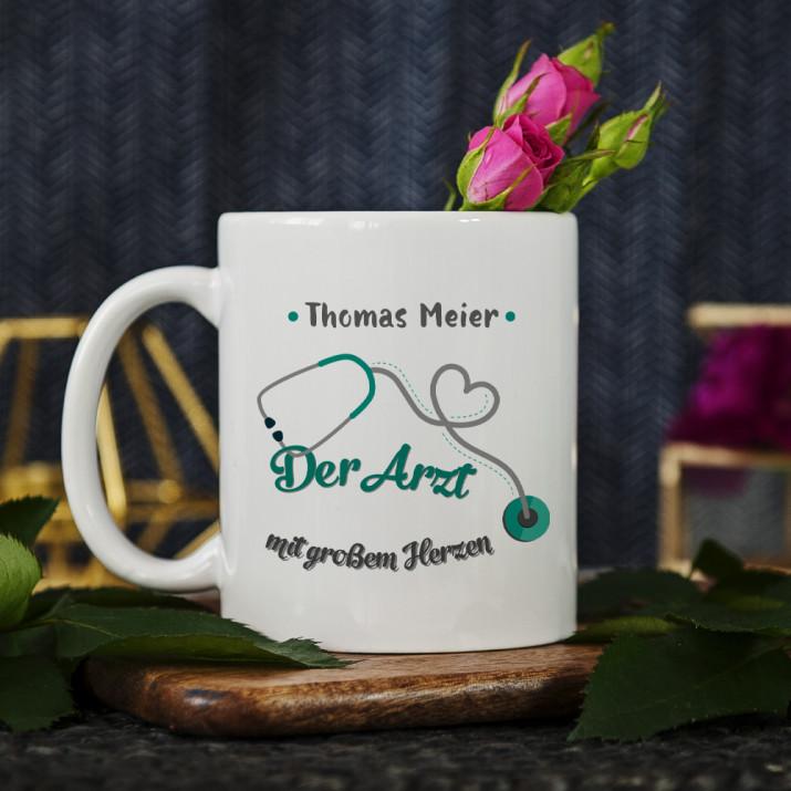 Arzt mit großem Herzen - personalisierte Tasse