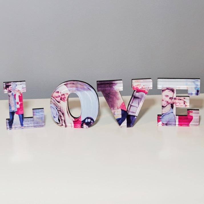 LOVE - słowo 3D ze zdjęć