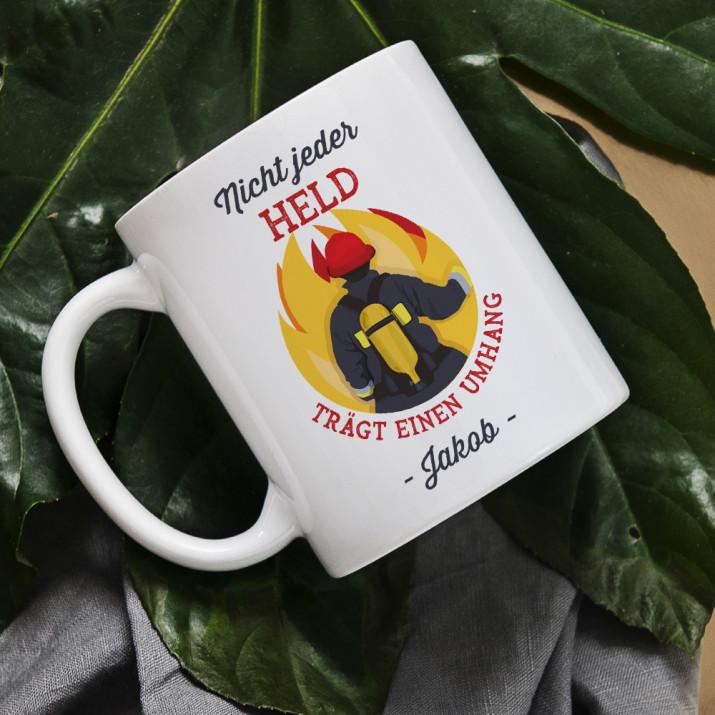 Nicht jeder Held - personalisierte Tasse