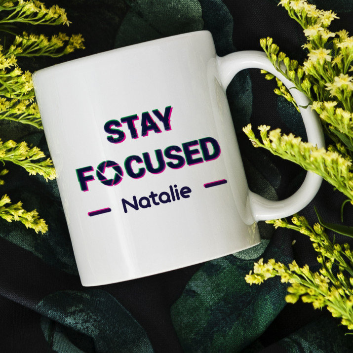 Stay focused - personalisierte Tasse