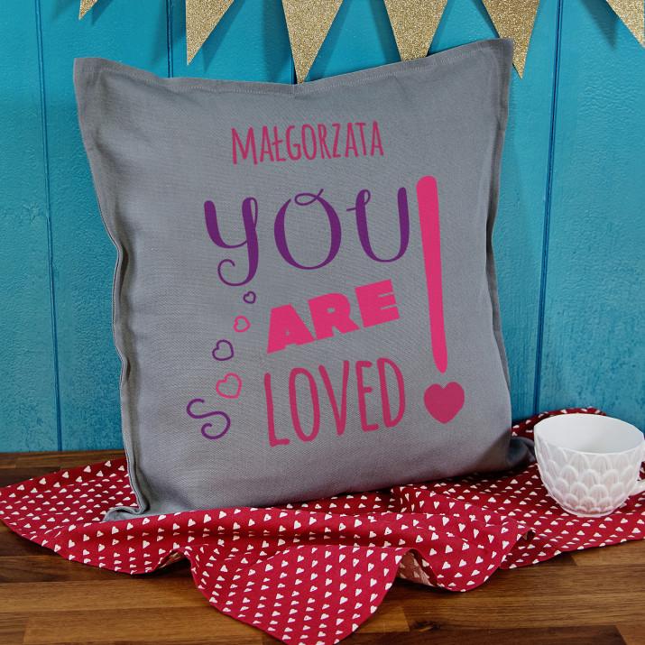 You are loved  - Poduszka dekoracyjna