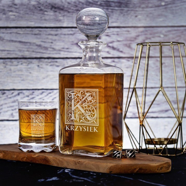 Zasłużył Na Szklankę Whisky - Zestaw Grawerowana Karafka I Szklanki Do Whisky